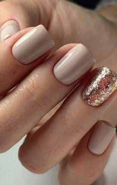 Stylish Nails, Trendy Nails, Elegant Nails, Nail Design Glitter, Shiny Nails, Shellac Nails Glitter, Nude Nails With Glitter, Pretty Gel Nails, Pretty Nail Colors