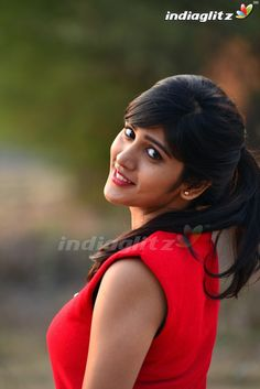 Chandini Chowdary Cute Photos Telugu Actors - Chandini Chowdary Photos / Images and HD wallpapers Stylish Girl Images, Celebrity Gallery, Tamil Actress Photos, Beautiful Saree, Beautiful Women, India Beauty, Beautiful Actresses, Bollywood Actress, Indian Actresses