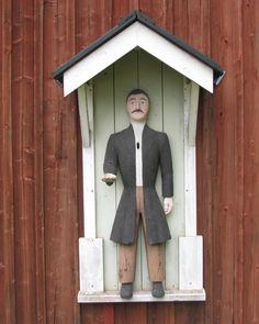 Mustasaari Sulvan kirkon vaivaisukko, jonka on tehnyt Johan Bergman vuonna 1868. Ukolla on pituutta 120 cm.