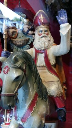 Sinterklaas op paard