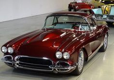 Burgundy 1962 Chevrolet Corvette Restomod 572 CID For Sale Chevrolet Corvette, 1962 Corvette, Classic Corvette, Ford Classic Cars, Vw Vintage, Chevy Muscle Cars, Limousine, Us Cars, Amazing Cars