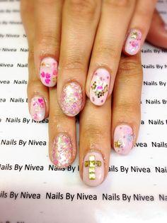 Nails by Nivea on point. Summer fun nails!