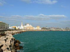 El malecón y su tacita de plata en Cádiz, Andalucía