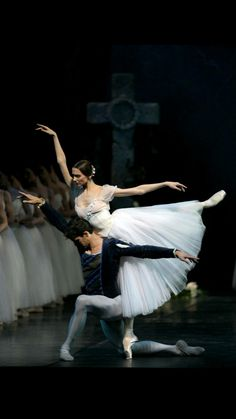 "<<Svetlana Zakharova and Roberto Bolle in ""Giselle"" at Teatro Alla Scala, Milano>> Ballet Art, Ballet Dancers, City Ballet, Cow Girl, Svetlana Zakharova, Ballet Photography, City Photography, Bolshoi Ballet, Dance Poses"