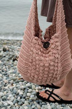 Vintage vibe beach bag amigurumi crochet pattern by Kraftling