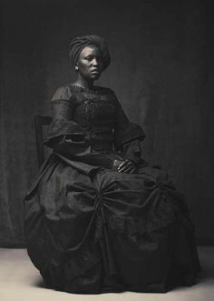 This is Amazing! It's also a rear look I'm always on the lookout for African/African Americans, in Historical Fashion/Costumes! I'm glad I have this photograph now! It's Beautiful! Vintage Black Glamour, Vintage Beauty, Foto Transfer, Photo Vintage, African American History, British History, American Women, African American Fashion, American Art