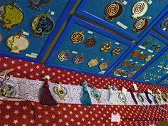 τα γούρια μας είναι φτιαγμένα με μεράκι και πολύ αγάπη γι΄ αυτό που συμβολίζουν Σας περιμένουμε να τα δείτε κι απο κοντά 16-19 Σεπτεμβρίου στο Metropolitan Expo - Δωρέκθεση Mostra Rota, Αίθουσα 4, Περίπτερο Ε18 - XeiroTexnima Lucas  (είσοδος μόνο για εμπόρους) Advent Calendar, Quilts, Blanket, Holiday Decor, Home Decor, Decoration Home, Room Decor, Advent Calenders, Quilt Sets