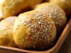 Porkkanasämpylät - Reseptit Savoury Baking, Yummy Eats, Food Inspiration, Baked Potato, Bread Recipes, Muffin, Rolls, Food And Drink, Healthy Recipes