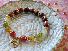Easy to make Yoga Charm Bracelet made of wooden mala beads, gemstone beads, and… Yoga Bracelet, Ring Bracelet, Bracelet Making, Jewelry Making, Jade Beads, Gemstone Beads, Ankle Bracelets, Jewelry Bracelets, Collar Hippie