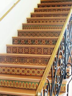 A reader was quite taken with our Royal Design Studio marquetry stairways in a recent San Diego Home & Garden magazine feature and we suggested artists Vicki Schultz & Julie Young for the project! Architecture Unique, Interior Architecture, Stenciled Stairs, Design Studio, House Design, Beautiful Gardens, Beautiful Homes, Italian Interior Design, Stair Risers