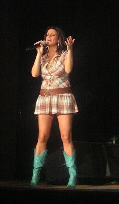 The Country Paparazzi: Sara Evans Sporting A Short Dress And Teal Cowboy Boots On Stage Country Female Singers, Country Music Singers, Country Musicians, Country Artists, Cute Little Girl Dresses, Girls In Mini Skirts, Sara Evans, Famous Women, Country Girls