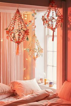 Paper Flower Chandelier made of pretty paper flowers, a nice bohemian decor piece for your party or apartment My New Room, My Room, Girl Room, Paper Chandelier, Flower Chandelier, Bedroom Decor For Teen Girls, Teen Girl Bedrooms, Bedroom Ideas, Urban Outfiters Bedroom
