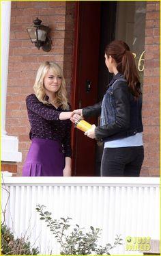 Emma Stone and Shailene Woodley friends on the set