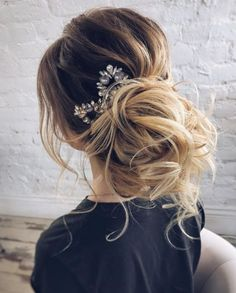 See our collection of elegant prom hair updos, as this important event is approaching and you need to start preparing. Wedding Hairstyles For Long Hair, Little Girl Hairstyles, Elegant Hairstyles, Wedding Hair And Makeup, Bridesmaid Hairstyles, Elegant Wedding Hair, Wedding Updo, Trendy Wedding, Boho Wedding