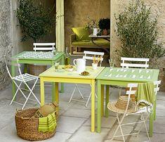 DIY déco : fabriquer des tables de jardin peintes comme des plateaux de jeux - Marie Claire Table Diy, Outdoor Furniture Sets, Outdoor Decor, Outdoor Living, Patio, Comme, Marie Claire, Tables, Home Decor
