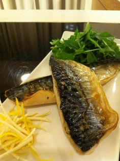 Has the grill every been put to such good use? Ask the Mackerel.
