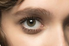 6 Mascaras For Dreamy Lower Lashes #HowToApplyMascara Mascara Wands, Mascara Tips, How To Apply Mascara, Applying Mascara, Volume Mascara, Blinc Mascara, Fiber Lash Mascara, Makeup Tips, Mascaras