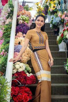 Myanmar Traditional Dress, Traditional Dresses, Myanmar Dress Design, Myanmar Women, Churidar Designs, Sunday Dress, Asian Fashion, Women's Fashion, African Dress