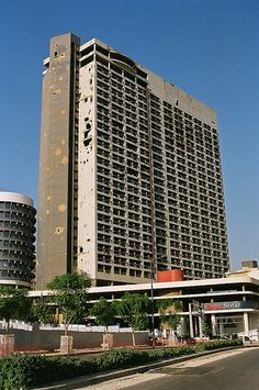 Ruins+of+the+Holiday+Inn,+Beirut,+Lebanon
