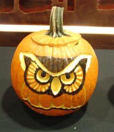 Top 60 Creative Pumpkin Carving Ideas for a Happy Halloween Pumpkin Carving Pictures, Owl Pumpkin Carving, Pumpkin Carving Contest, Amazing Pumpkin Carving, Scary Pumpkin, Pumpkin Art, Best Pumpkin, Pumpkin Ideas, Pumpkin Painting