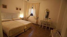 Alojamiento en régimen de media pensión en Palacio las Manillas (Baños de la Encina, #Jaén)