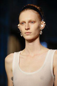 Givenchy Spring 2016 Ready-to-Wear Collection Photos - Vogue#40#40