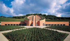 Cantina Petra, realizzata dall'architetto svizzero Mario Botta, su commissione di Vittorio Moretti, proprietario dell'azienda vinicola di 7.200 metri quadrati tra i dolci pendii della Val di Cornia, nel comune di Suvereto, provincia di Livorno