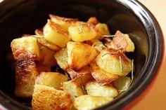 Aaaah, les pommes de terre sautées ! Le grand drame du gourmand paresseux ! Pourquoi faut-il que ce soitfatigant à faire et pas évident à réussir alors que c'est tellement bon ?Mais réjouis…