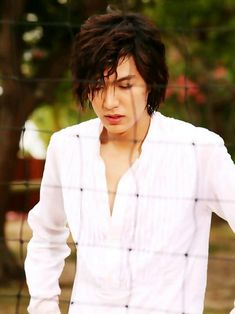 This is a screen cap from Boys Over Flowers right before he got wacked in the head with a volleyball because he was upset about Jan Di and Ji Hoo. Lee Min Ho Boys Over Flowers, Boys Before Flowers, Korean Celebrities, Korean Actors, Celebs, Korean Dramas, Lee Min Ho Kdrama, Korean Drama Stars, Sexy Asian Men