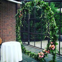 Giant wreath for wedding ceremony, by Gardenia Organic