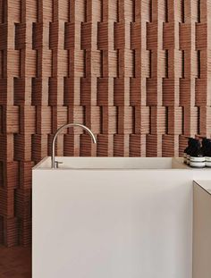 Mexican architect Frida Escobedo sourced rammed earth from her home country to form the rosy bricks that form walls in this Aesop store in Brooklyn. Brick Design, Wall Design, Loft Design, Facade Design, Design Design, Brick Architecture, Interior Architecture, Organic Architecture, Residential Architecture