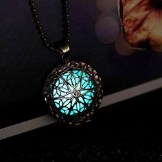 Truly eye-catching pendent necklace for Magic & Fairy lovers. Glows in the dark after short exposure to direct sun or lamp light.