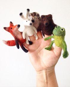 Feltd finger puppets by Yaroslava Troynich Felt Puppets, Felt Finger Puppets, Needle Felted Animals, Felt Animals, Wet Felting, Needle Felting, Finger Puppet Patterns, Felt Mouse, Felt Decorations
