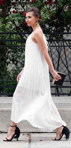 White Maxi Pleated Romantic Dress #Fashionistas