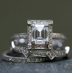 I love emerald cut stones! This is antique - looking and so cool.
