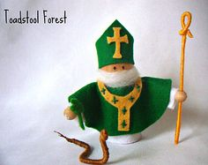 St Patrick Peg Doll ~ Waldorf Inspired ~ St Patty's ~ March 17th ~ Saint Peg Doll ~ Irish Doll ~ Snake