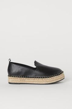 Espadrilles with braided jute trim around soles and a grosgrain loop at back. Canvas lining and insoles. Fluted soles in thermoplastic rubber (TPR). 1 in. Suede Loafers, Suede Shoes, Leather Ankle Boots, Heeled Espadrilles, Espadrille Sneakers, Jute, Stylish Shoes For Women, H&m Shoes, Stylish Sandals