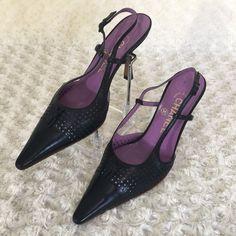 b3d505d335e12 Authentic Chanel Women Sz 36 Black Leather Pointed Toe Sandals Sling Back  Shoes  CHANEL