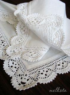 Салфетка с вязаной каймой. Раз |