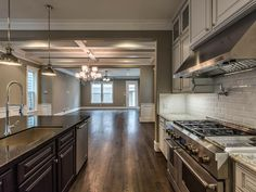 408 W Street - Ashland Square by Drake Homes Inc. Porch And Balcony, Home Inc, Entry Gates, Property Listing, Outdoor Gardens, Kitchen Design, Kitchen Cabinets, Houston Tx, Drake
