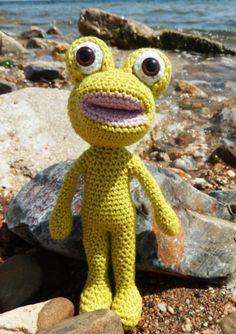 Die Anregung für einen Frosch kam von Claudia aus Deutschland. Eines der ersten Amigurumi, die ich selbst entwarf, war ein kleiner Frosch. Nichts Besonderes, aber Daniela sah das Bild auf meiner Fa…