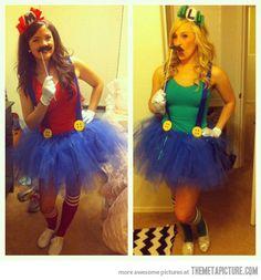 Marion and Luigiette custome  -  Disfraz nintendero   MEGAN!!! We have to apostolicafy this and do it this Halloween!!