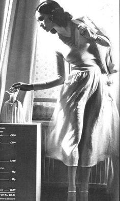 Vogue UK April 1975 Cathee Dahmen by Willie Christie