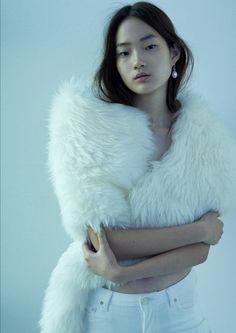 """versacegods: """" Shin Hyun Ji photographed by Romain Duquesne for Oyster Magazine 2014 """" Fur Fashion, Fashion Shoot, Editorial Fashion, Winter Fashion, Fashion Editor, Beautiful Models, Beautiful People, Asian Woman, Asian Girl"""