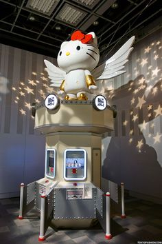 "Just posted 150+ pictures from the Hello Kitty ""Kittyrobot"" exhibition in Tokyo. Lots and lots of Kitty goodness. :-)"