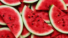 Fruit photography wallpaper ideas for 2019 Watermelon Soup, Watermelon Nutrition Facts, Watermelon Slices, Eating Watermelon, Watermelon Cocktail, Nutrition Drinks, Healthy Nutrition, Healthy Foods, Color Combos