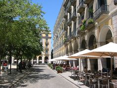 Girona - Cafes around the Plaça Independencia by Paul Anthony Moore, via Flickr