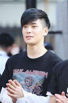 Asian Boy Haircuts, Boy Haircuts Short, Asian Haircut, Cool Haircuts, Haircuts For Men, Korean Men Hairstyle, Mens Hairstyles Fade, Cool Hairstyles For Men, Medium Hair Styles