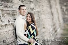 Engagement Photography / Engagement Photos / Cute Engagement Pics / Cute Couples / What to wear for engagement pictures Engagement Couple, Engagement Pictures, Engagement Shoots, Couple Photography, Engagement Photography, Wedding Photography, Photography Ideas, Cute Couples Photos, Couple Pictures
