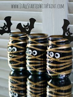So cute! So smart! Rubber bands and spray paint! Mummy mason jars. Good party favor filled with treats?